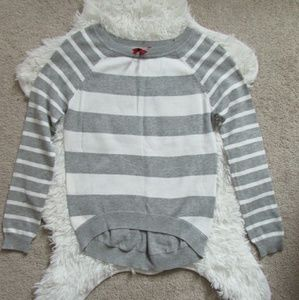 Women's Red Camel Gray and white sweater